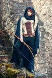 Alter weiblicher Bogenschütze stockbilder