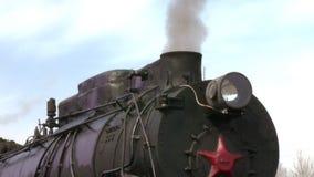 Alter Zug mit Dampfmaschinennahaufnahme stock footage