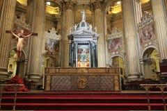 Altere en la catedral de Málaga fotos de archivo