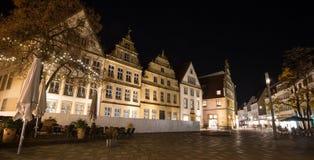 Altere o markt bielefeld Alemanha na noite imagem de stock