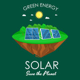 Alternatieve energiemacht, het zonnegebied van het elektriciteitspaneel op een groen concept van de grasecologie, technologie van Royalty-vrije Stock Afbeelding