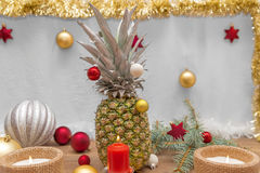 Alternativ dekorerad julgran Arkivbilder