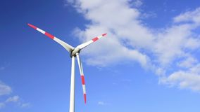 Alternativ energi med väderkvarnen för förnybar elektricitet lager videofilmer