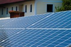 Alternativ sol- energi. sol- energi driver Arkivbilder