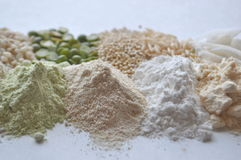 Alternative gluten-free flour, grains and legumes - teff, amaranth, corn, chickpeas, sorghum, green peas, quinoa, rice, coc Stock Image