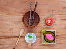 Alternative skin care tomato scrubs ,tomato slice and sea salt s Royalty Free Stock Photo