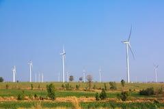 Alternatywna energia od wiatrowego generatoru gospodarstwa rolnego Obrazy Stock