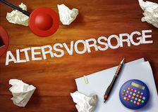 Altersvorsorge desktop memo calculator office think organize Stock Photos