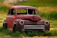 Altes Auto mit den Fenstern heraus geschossen lizenzfreie stockbilder