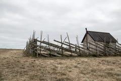 Altes Bauernhaus auf dem Gebiet Lizenzfreies Stockbild