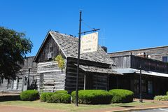 Altes Bauernhaus bei Casey Jones Village, Jackson, Tennessee stockfotos