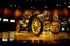 Altes BenzKraftfahrzeug von dreißiger Jahren Stockfoto