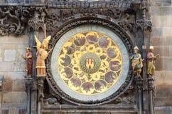 Altes berühmtes astronomisches Borduhr-Detail, Prag Stockbilder