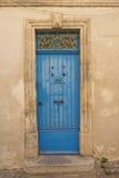 Altes blaues hölzernes Eingang doo Stockfoto