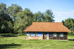 Altes Blockhaus in Ukraine Lizenzfreie Stockfotos
