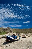 Altes Boot auf dem Ufer in der Griechenland-Insel Kreta Stockbild