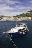 Altes Boot bei Baska, Kroatien lizenzfreies stockbild