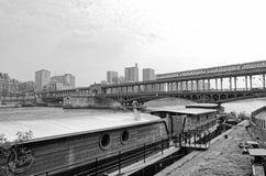 Altes Boot entlang dem Wadenetz lizenzfreie stockbilder