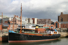 Altes Boot im Liverpool-Dock Stockfotos