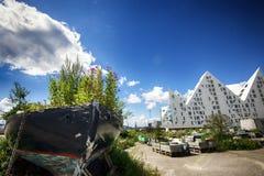 Altes Boot und Eisberg Stockbilder