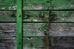 Altes Brett mit Farbe weg abziehen lizenzfreie stockfotos
