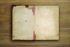 Altes Buch geöffnet Lizenzfreie Stockfotos