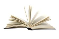 Altes Buch mit den gelblichen Seiten getrennt auf Weiß. Stockfotografie