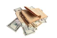 Altes Buch und Geld Stockfotos