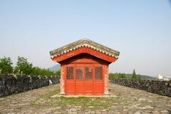 Altes chinesisches Gebäude auf Wand Lizenzfreie Stockfotografie
