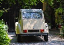 Altes Citroen-Auto Viviers Frankreich stockfotografie
