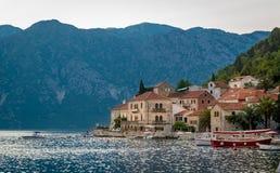Altes Dorf Perast in der Bucht von Kotor Stockbilder