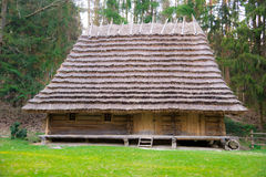Altes Dorfhaus Stockfotos