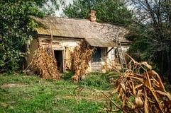 Altes Dorfhaus Stockbild