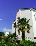 Altes erneuertes Landhaus auf adriatischem Seebad Lizenzfreies Stockfoto