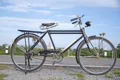 Altes Fahrrad, altes Fahrrad in Thailand Stockbild