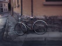 Altes Fahrrad in Vieux Quebec stockbild