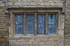 Altes Fenster auf Cotswolds Stockfotos