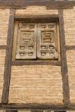 Altes Fenster in der Backsteinmauer, Soria, Kastilien-Leon, Spanien Stockbild