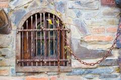 Altes Fenster mit Stäben lizenzfreie stockfotos