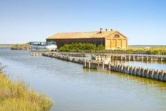 Altes Fischenhaus in den Comacchio-` s Tälern Stockfotografie