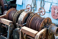 Altes Fischerboot im Hafen - Details Lieferung von alte fis Lizenzfreie Stockfotos