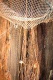 Altes Fischernetz im Hafen mit Korken schwimmt Lizenzfreie Stockfotografie