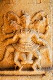 Altes Flachrelief von hindischen Gottheiten in Achyutaraya-Tempel Lizenzfreies Stockbild