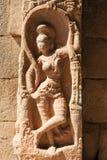 Altes Flachrelief von hindischen Gottheiten in Achyutaraya-Tempel Lizenzfreies Stockfoto