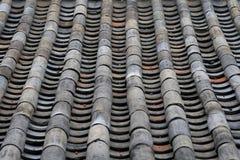 Altes Fliese-Dach der traditionellen koreanischen Architektur Lizenzfreies Stockbild