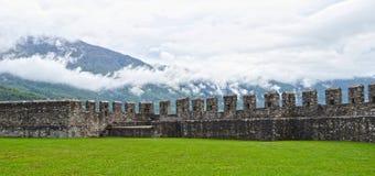 Altes Fort in Bellinzona Stockbilder