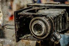 Altes Foto mit alter Fotokamera Stockbild