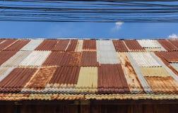 Altes galvanisiertes Stahldach Lizenzfreies Stockbild