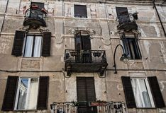 Altes Gebäude - Ivrea lizenzfreies stockbild