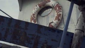 Altes gebrochenes Boot stock video